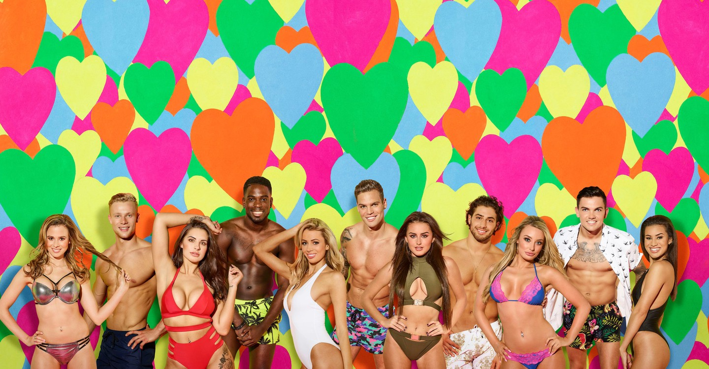 Love Island Backdrop 1