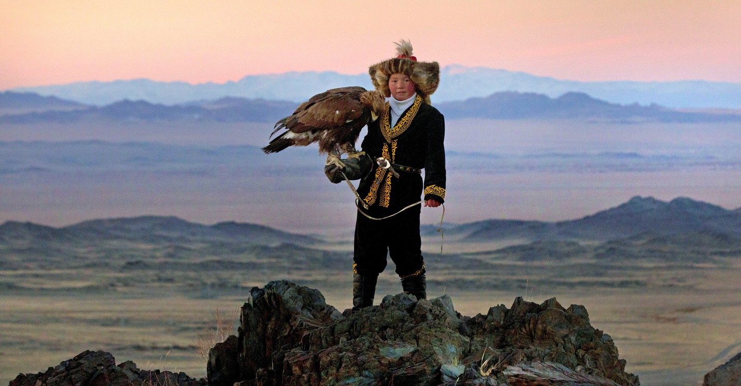 The Eagle Huntress backdrop 1