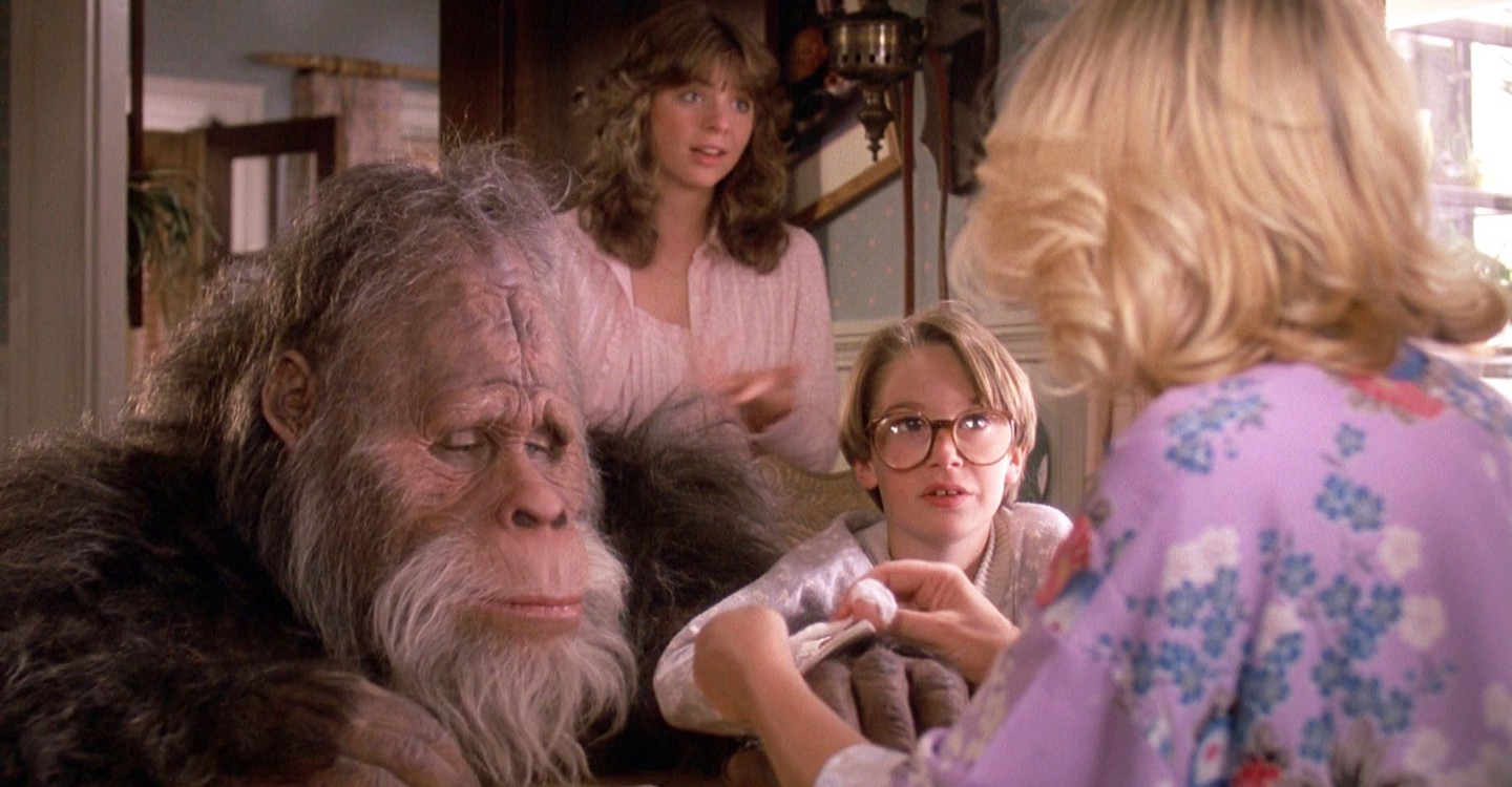 Harry and the Hendersons backdrop 1
