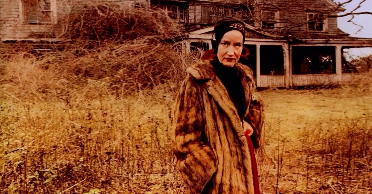 Grey Gardens backdrop 1