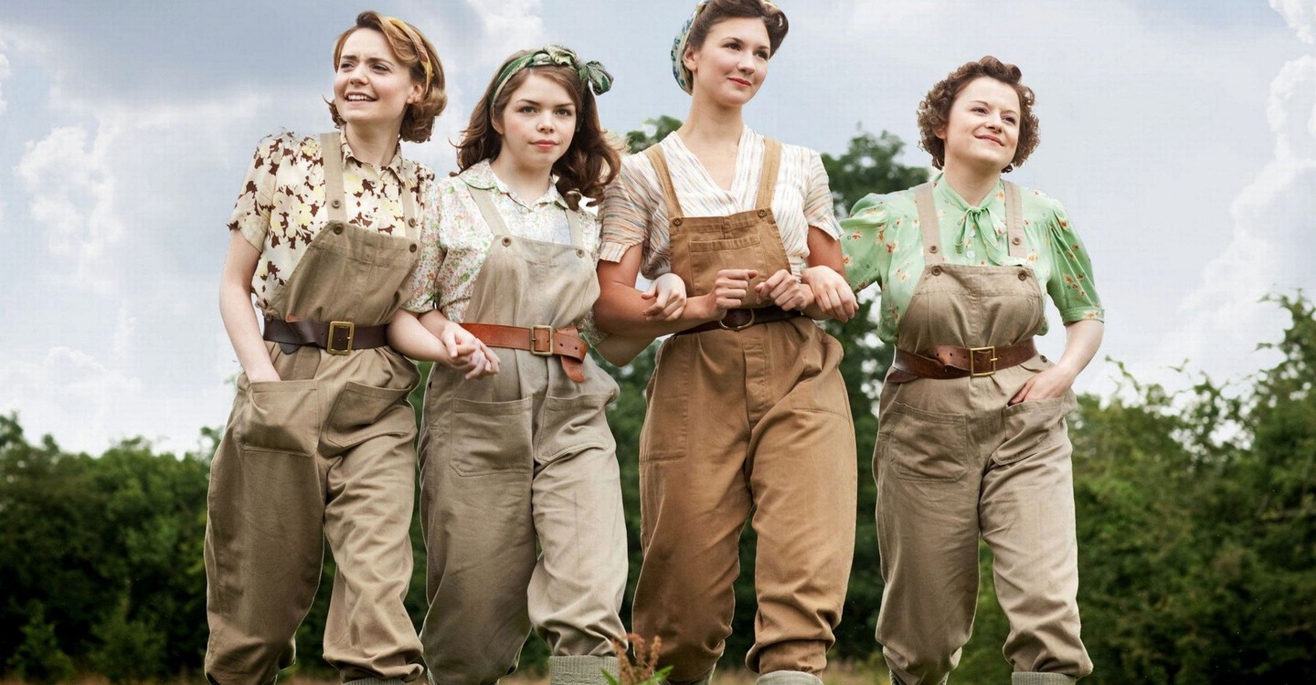 Land Girls backdrop 1