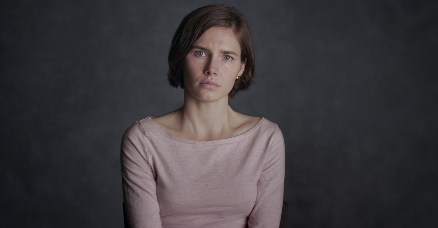 Amanda Knox backdrop 1
