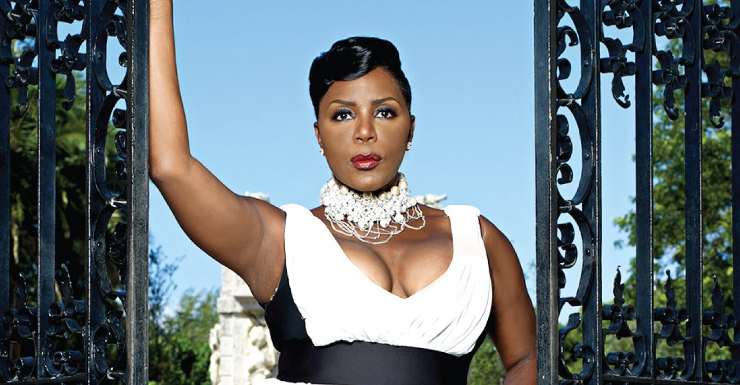 Sommore chandelier status watch streaming online sommore chandelier status backdrop 1 arubaitofo Images