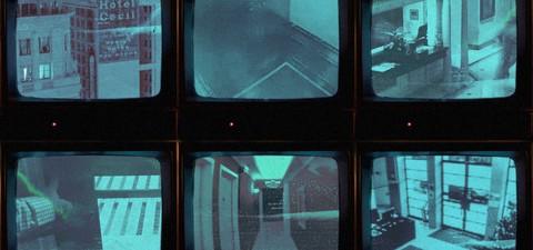 Cena do Crime: Mistério e Morte no Hotel Cecil