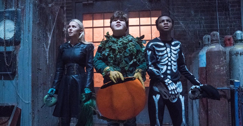 Goosebumps 2: Haunted Halloween backdrop 1