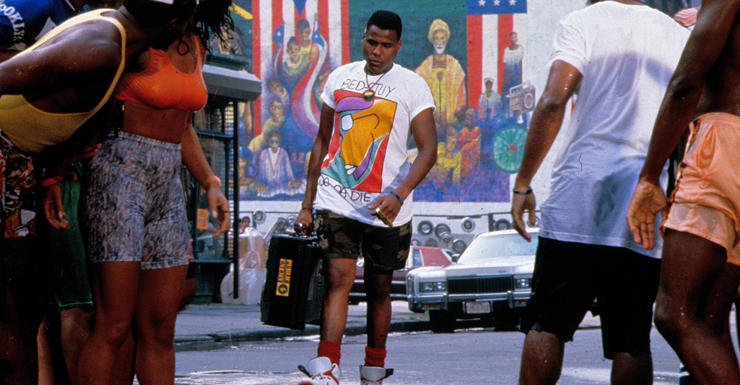 Watch Do the Right Thing Streaming Online | Hulu (Free Trial)
