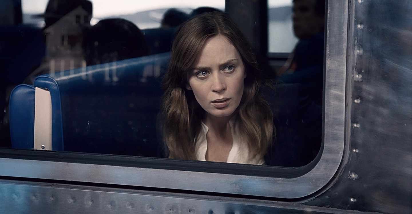 The Girl on the Train backdrop 1