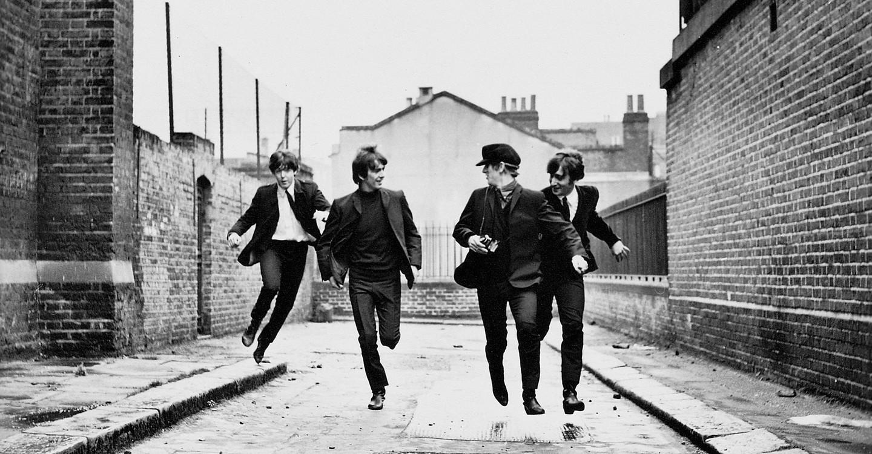 Quatre garçons dans le vent