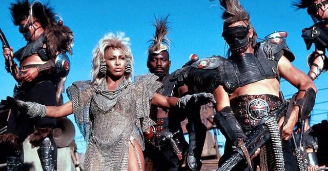 Mad Max: Más allá de la cúpula del trueno