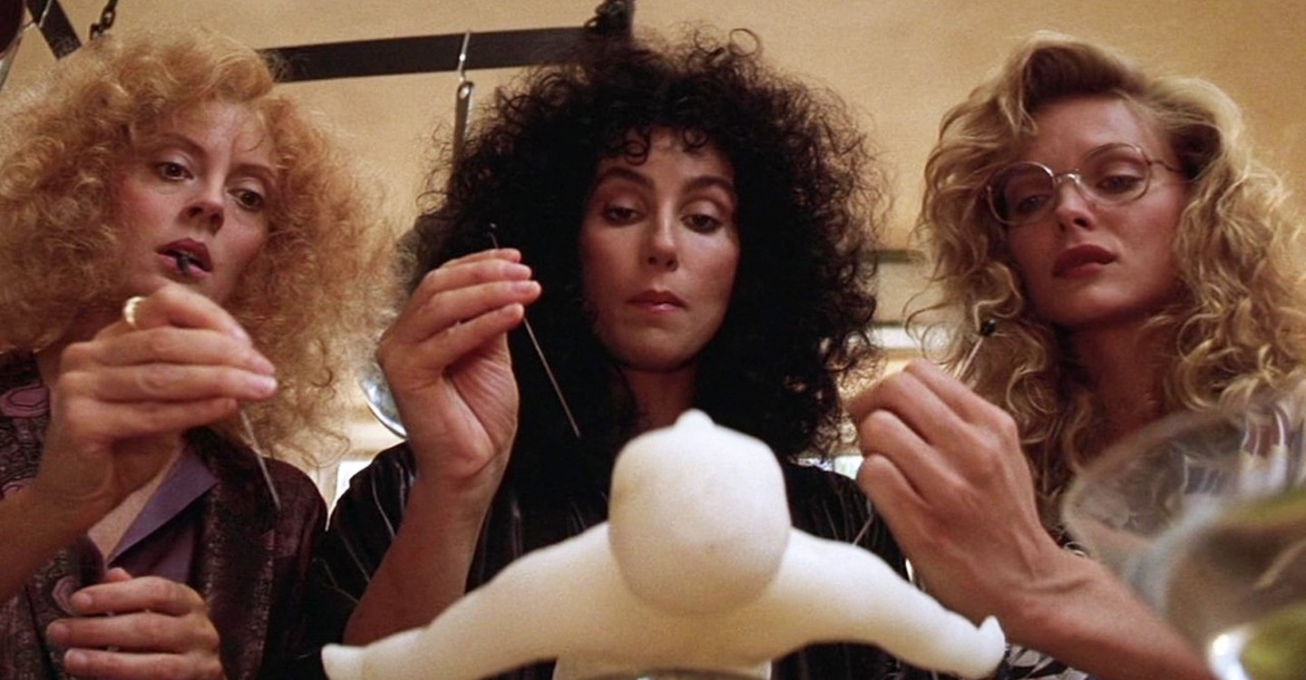 The Witches of Eastwick backdrop 1