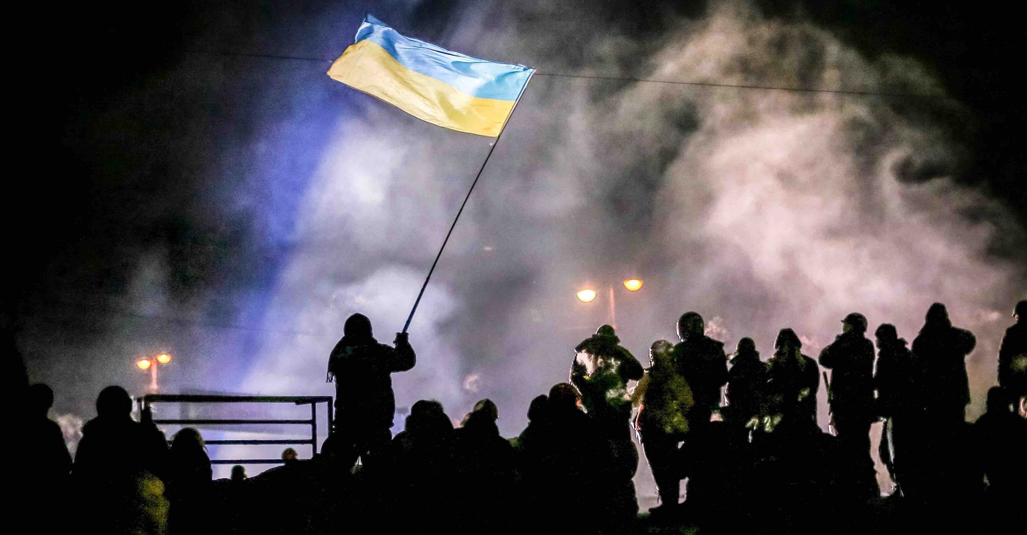 Winter on Fire: Ukraine's Fight for Freedom backdrop 1