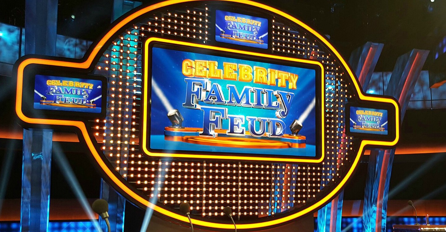 Celebrity Family Feud - streaming tv show online